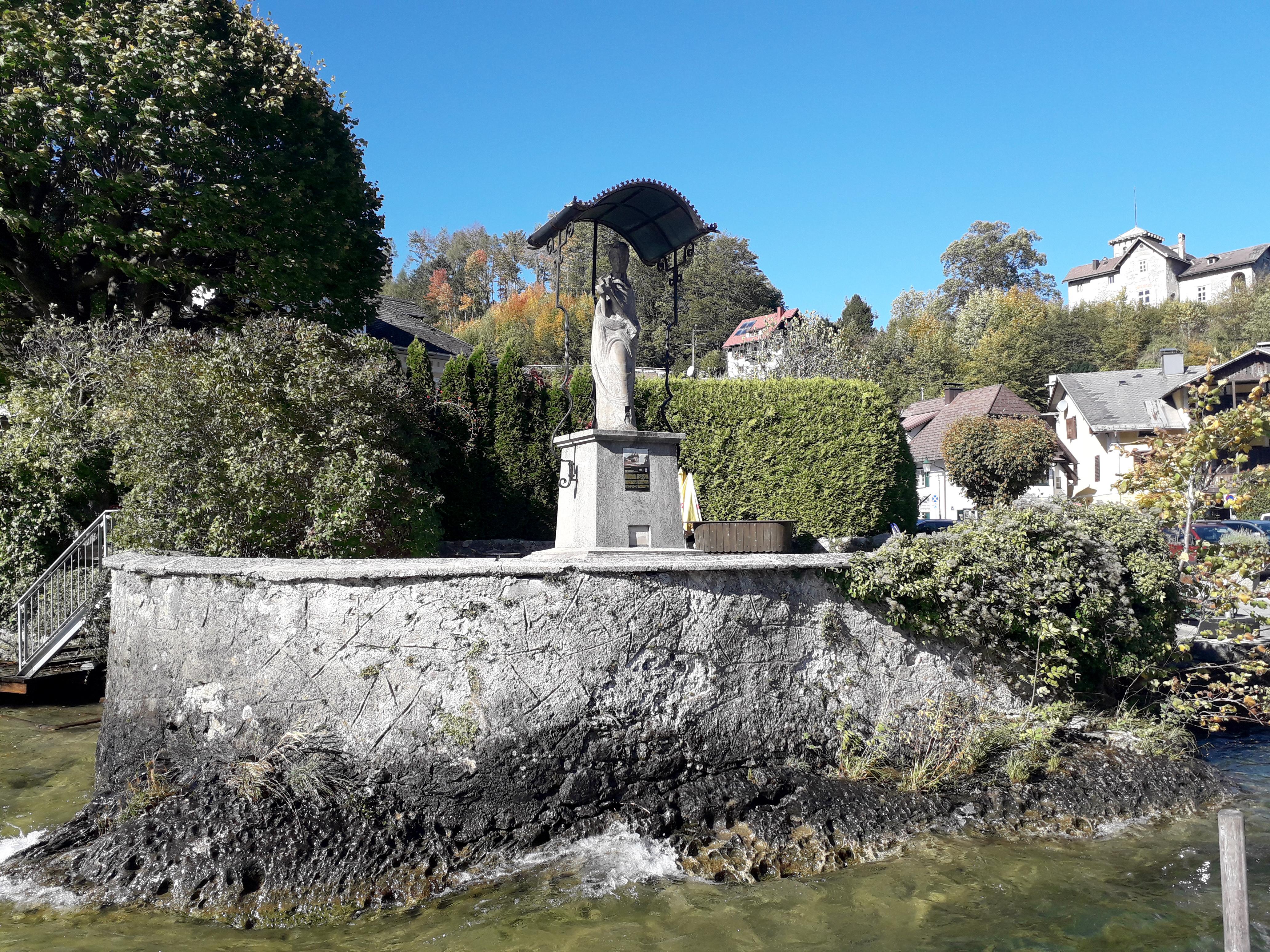 Nepomuk_Gastgarten_Insel
